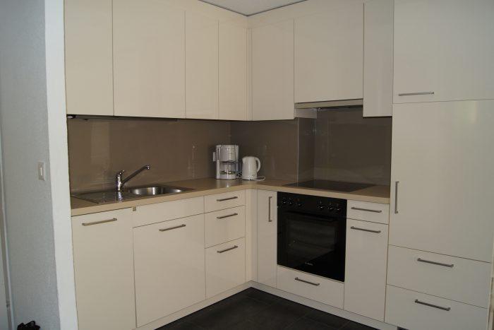 05-d-Appartement-2.5-chambres-Fortuna-304-Cuisine-Loèche-les-bain-appartement-de-vacances-à-louer