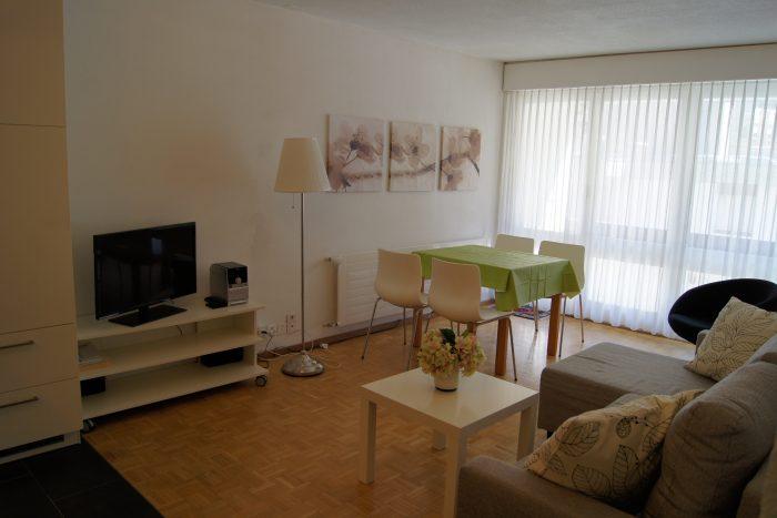 05-e-2.5-Zimmer-Wohnung-Fortuna-304-Essbereich-Leukerbad-Ferienwohnung-zu-vermieten