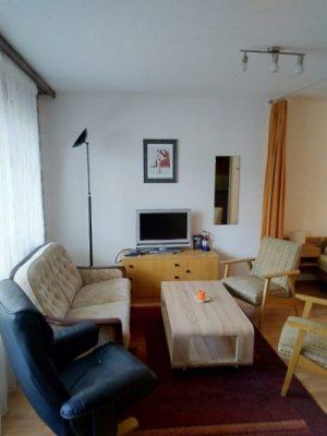 02-a-1-Zimmer-Wohnung-Wohnbereich-Royal33-Leukerbad-Ferienwohnung-zu-vermieten