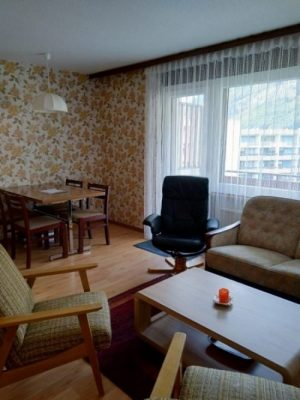 02-d-appartement-1-chambre-Royal33-séjour-Loèche-les-bains-appartement-de-vacances-à-louer