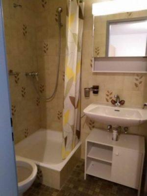 02-e-1-Zimmer-Wohnung-Badezimmer-Royal33-Leukerbad-Ferienwohnung-zu-vermieten