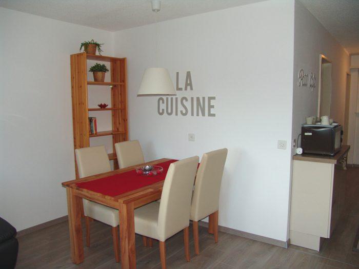 07- j- Appartement- 2.5- chambres- Clabina-19-Coin- mangé -Loèche-les-bains- appartement- de- vacances -à- louer