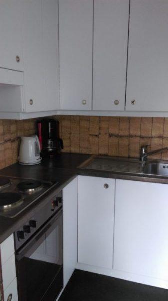10- c -Appartement- 2.5- chambres-Royal- 50 -Cuisine - Loèche-les-Bains- appartement- de- vacances -à -louer