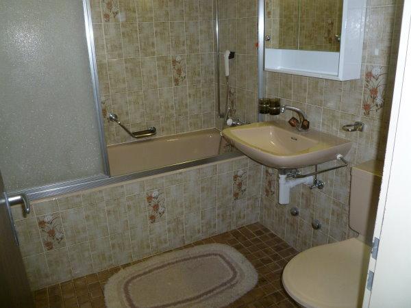11 -d- Appartement- 2.5- chambres- Royal- 51- Salle- de- bain- Loèche-les-Bains -appartement -de- vacances -à- louer
