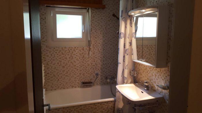 13a -f- 2.5- Zimmer-Wohnung- Lorée -201 -Badezimmer- Leukerbad- Ferienwohnung -zu- vermieten