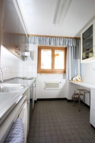 15- b- Appartement- 2.5- chambres- Cuisine- Loèche-les-bains -appartement -de- vacances -à louer
