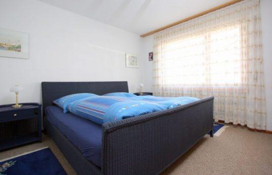 15 -d- Appartement -2.5- chambres- Chambre- Loèche-les-bains- appartement- de- vacances- à l-ouer
