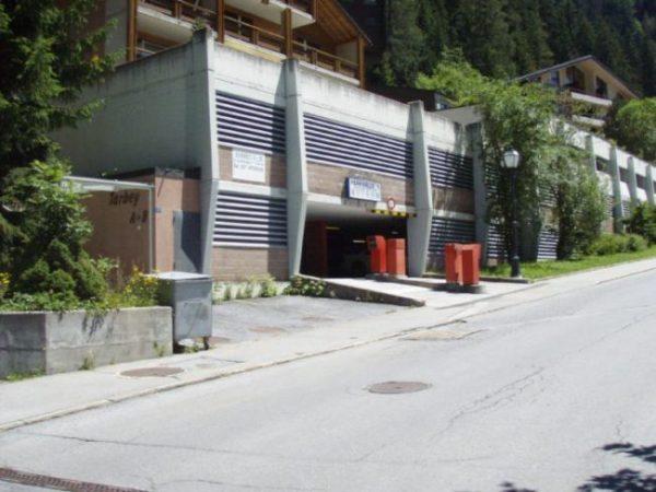 16-m-1-zimmer-wohnung-Tarbey-44-Parkhaus-Place-de-parc-Leukerbad-Ferienwohnung-zu-vermieten