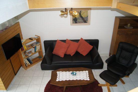 19-c-2.5-Zimmer-Wohnung-Fortuna-312-Sitzbereich-Leukerbad-Fereinwohnung-zu-vermieten