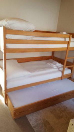 20- l- Appartement- 2.5- chambres -Clabina -31 -Chambre -enfant- Loèche-les-bains- appartement- de -vacances -à- louer