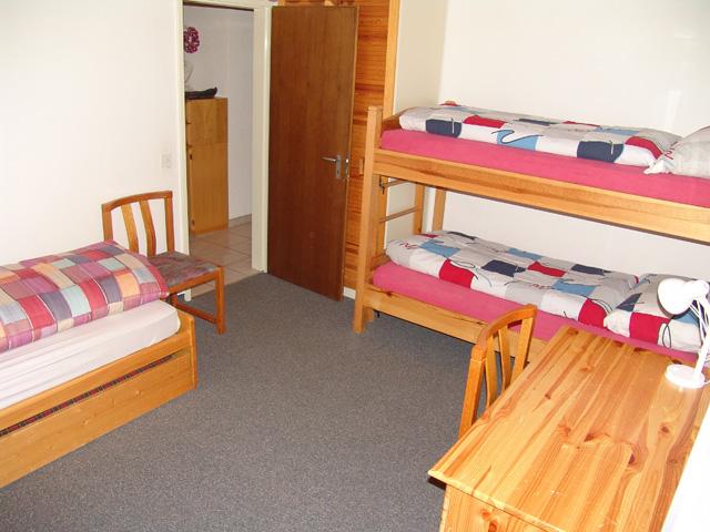 21-g-3.5- Zimmer- Wohnung -Schlafzimmer -Leukerbad- Ferienwohnung -zu -vermieten