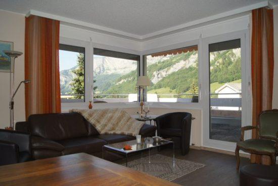 22-d-Appartement-3.5-chambres-Mayenzett-41-Salon-Loèche-les-bains-appartement-de-vacances-à-louer