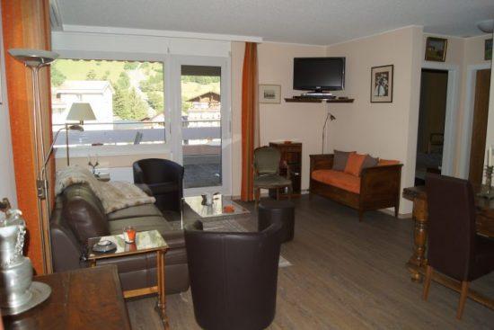 22-e-3.5-Zimmer-Wohnung-Mayenzett-41-Salon-Leukerbad-Ferienwohnung-zu-vermieten