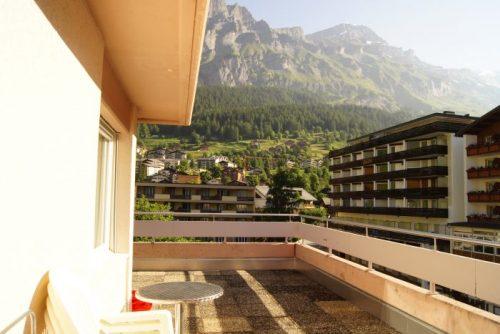 22-g-3.5-Zimmer-Wohnung-Mayenzett-41-Terrasse-Leukerbad-Ferienwohnung-zu-vermieten