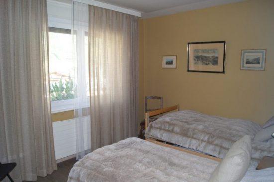 22-k-Appartement-3.5-chambres-Chambre-Loèche-les-bains-appartement-de-vacances-à-louer