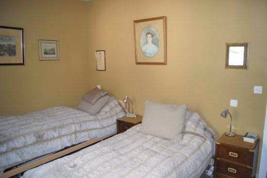 22-l-3.5-Zimmer-Wohnung-Mayenzett-41-Schlafzimmer-Leukerbad-Ferienwohnung-zu-vermieten