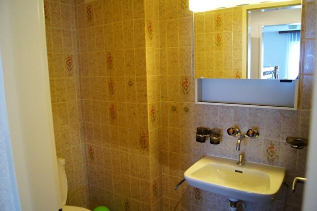 23-d-Appartement-3.5-chambres-Royal-35-WC-Loèche-les-bains-appartement-de-vacances-à-louer