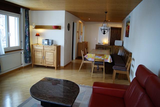23-h-Appartement-3.5-chambres-Royal-35-Salon-Loèche-les-bains-appartement-de-vacances-à-louer
