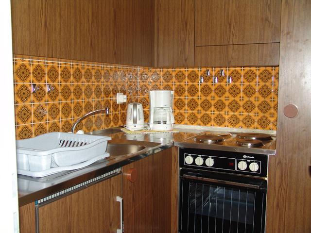 25 -c- Appartement -3.5- chambres- Tschal -10 -Cuisine-Loèche-les-bains- appartement -de -vacances- à -louer