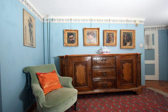 26 -e- 3.5- Zimmer -Wohnung -Heimatkunst -Eingang -Leukerbad- Ferienwohnung -zu -vermieten