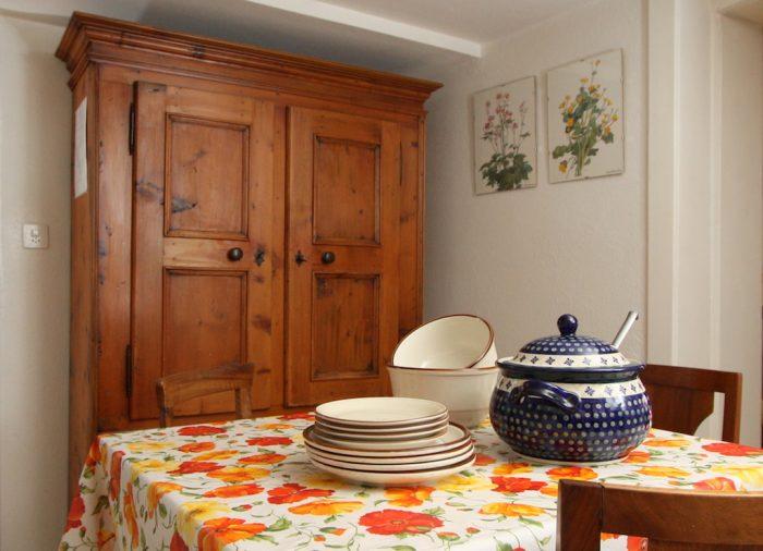 26 -f -Appartement -3.5 -chambres-Heimatkunst-Cuisine- Loèche-les-bains -appartement- de -vacances -à- louer