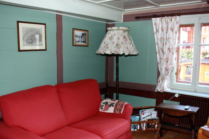 26 -i -3.5 -Zimmer- Wohnung-Heimatkunst -Wohnstube-Leukerbad -Ferienwohnung -zu -vermieten