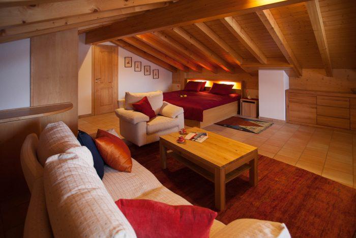 27 -m- 4.5- Zimmer- Wohnung -Chalet- Kliben- Schalzimmer -Leukerbad- Ferienwohnung -zu- vermieten