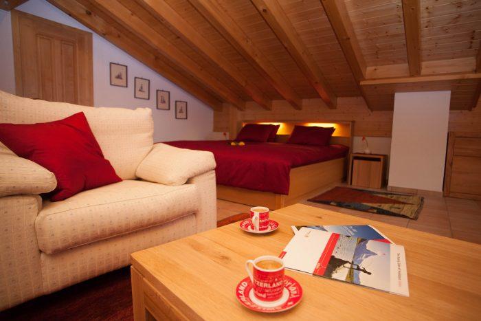 27 -n- Appartement- 4.5-chambres-Chalet -Kliben-Chambre- Loèche-les-bains-appartement -de- vacances- à- louer
