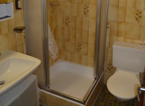 28- h- 4.5- Zimmer- Wohnung- Royal- 32 -Badezimmer-Leukerbad- Ferienwohnung -zu -vermieten