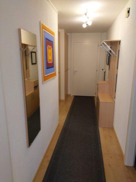 34-d-1-chambre -appartement-Utoring-322-entrée-appartement-de-vacances-pour-louer-Loèche-les-bains