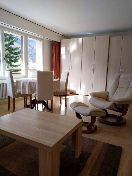 34-e-1-chambre -appartement-Utoring-322-séjour-appartement-de-vacances-pour-louer-Loèche-les-bains