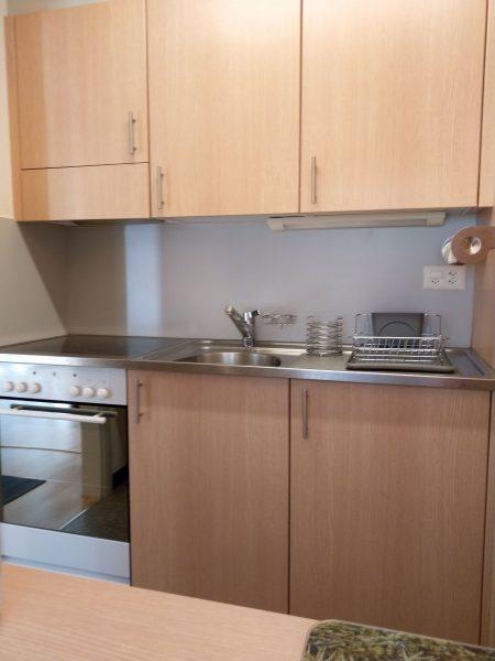 34-g-1-chambre -appartement-Utoring-322-cuisine-appartement-de-vacances-pour-louer-Loèche-les-bains