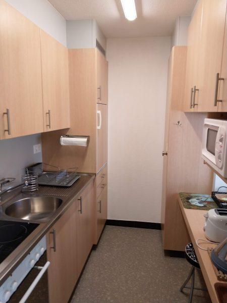 34-h-1-Zimmerwohnung-Utoring-322-Küche-Ferienwohnung-zum-vermieten-Leukerbad
