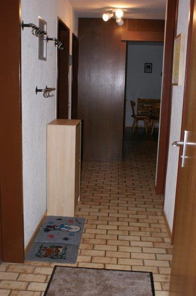 36 -p -4-Pieces-Lärchenwald-1706-Entrée-Appartement-de-vacances-Loèche-les-bains (2)