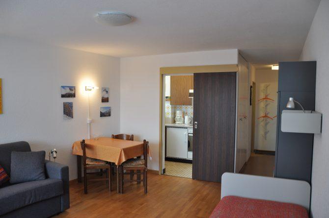 37-f-1-Zimmerwohnung-Leuca-24-Wohnstube-Ferienwohnung-zum Vermieten-Leukerbad