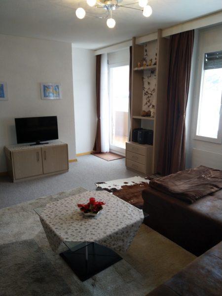 38-c-2-Zimmerwohnung-Lärchenwald-1804-Wohnstube-Verienwohnung-zum-vermieten-Leukerbad
